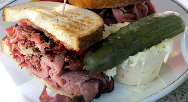 Brisket sandwich, coleslaw and pickle
